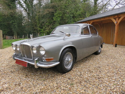 1967 Jaguar 420 (Card payments accepted & Delivery) SOLD (picture 1 of 6)