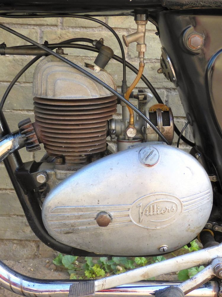 1958 James L15 Cadet 150cc SOLD (picture 4 of 6)