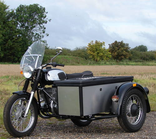 2017 Jawa 350 Retro and Cargo sidecar, as new, 15 miles only SOLD (picture 1 of 6)