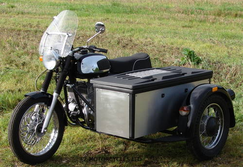 2017 Jawa 350 Retro and Cargo sidecar, as new, 15 miles only SOLD (picture 5 of 6)