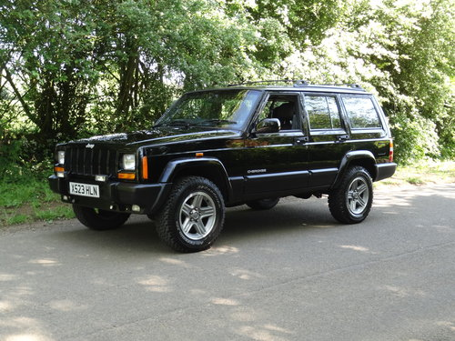2000 Jeep Cherokee XJ 4 Litre SIMILAR REQUIRED PLEASE For Sale (picture 1 of 6)