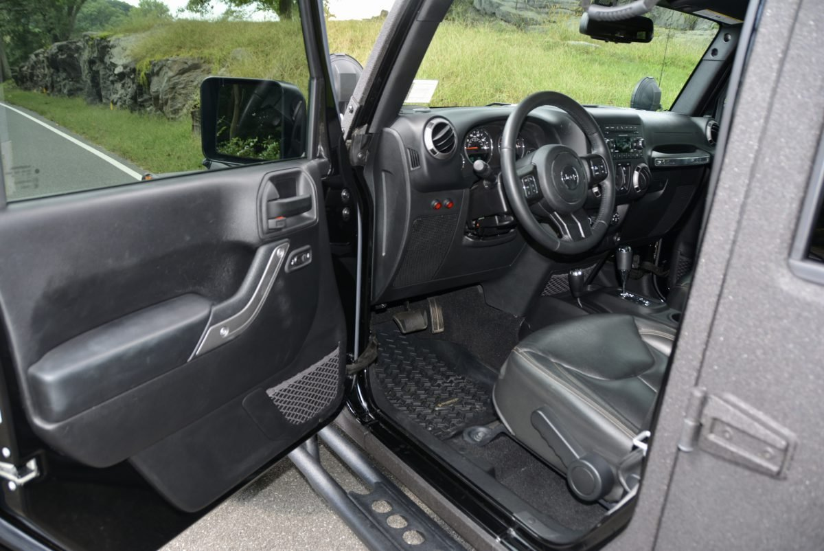 2016 Jeep Wrangler Unlimited Sport 4X4 Starwood Edition $39k For Sale (picture 6 of 6)