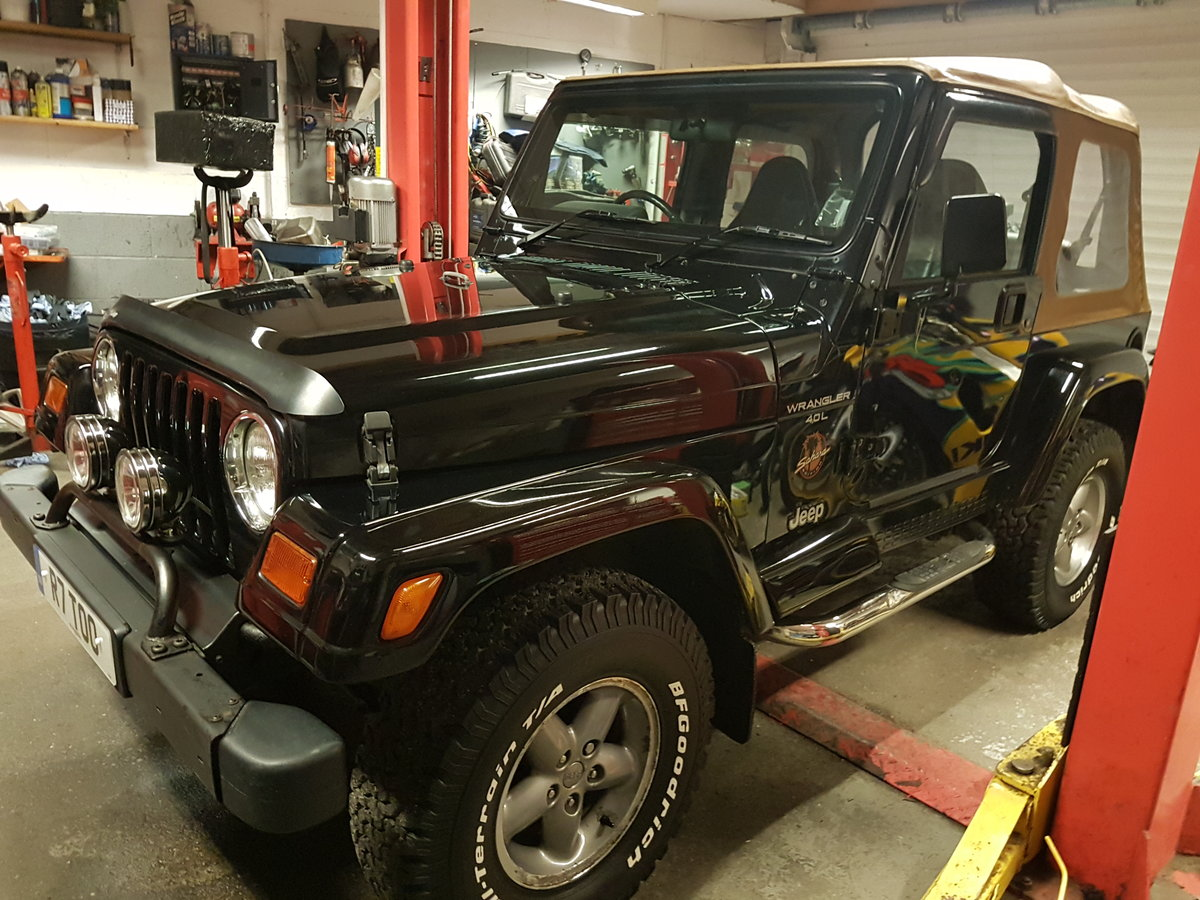1997 4.0 manual jeep wrangler sahara For Sale (picture 1 of 6)
