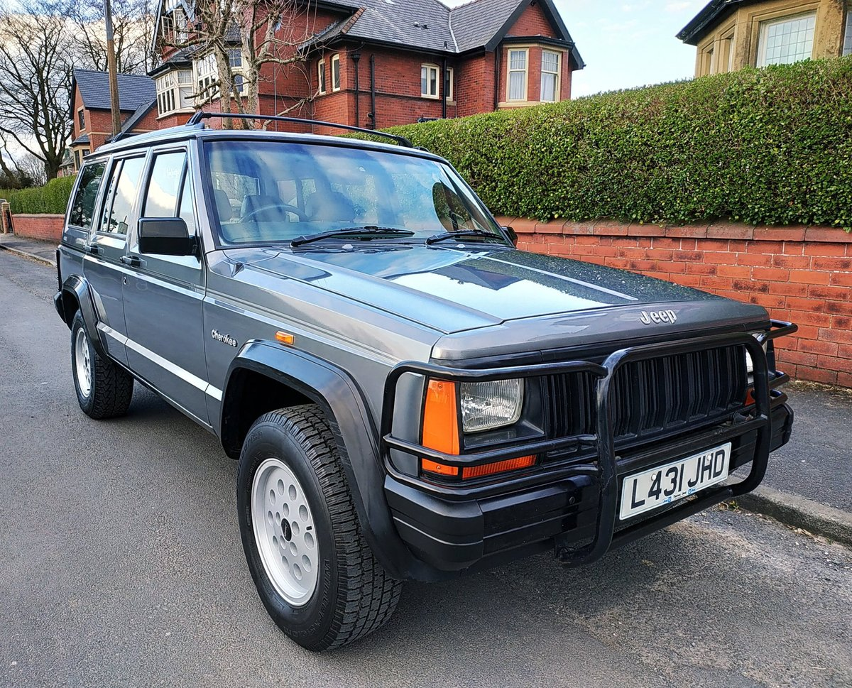 1994 JEEP CHEROKEE 2.5 SPORT 4x4. ONE PREVIOUS OWNER SOLD (picture 1 of 6)
