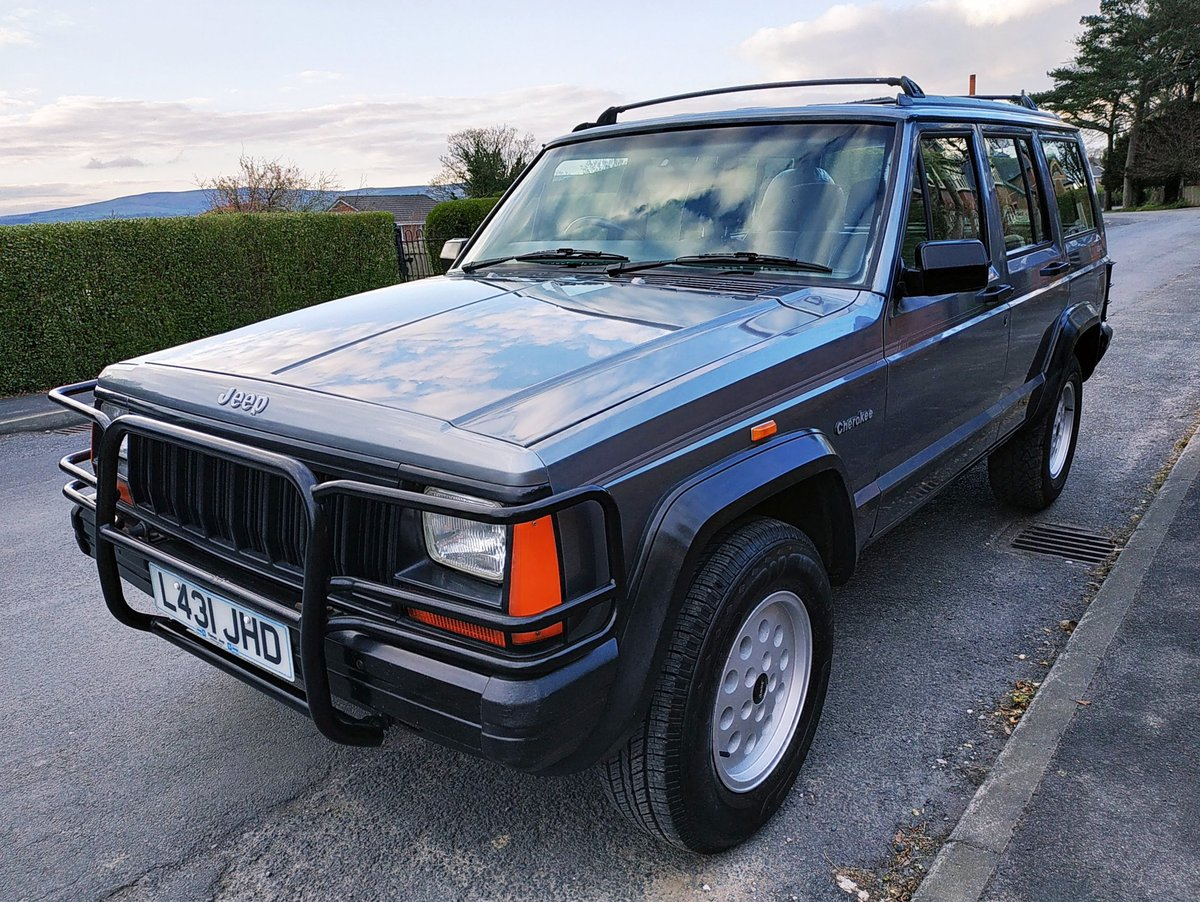 1994 JEEP CHEROKEE 2.5 SPORT 4x4. ONE PREVIOUS OWNER SOLD (picture 2 of 6)