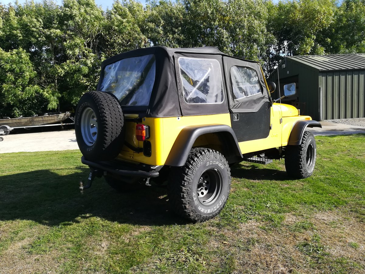 1983 One of a kind Fully Restored Jeep CJ7 For Sale (picture 5 of 6)