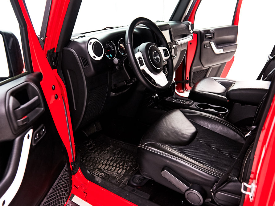 2015 JEEP WRANGLER For Sale by Auction (picture 4 of 6)