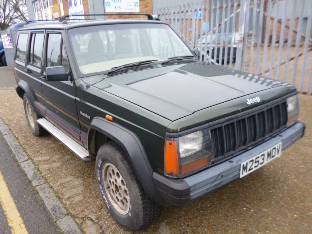 1995 (M reg) Jeep Cherokee 2.5 TD Sport 4x4 For Sale (picture 2 of 6)