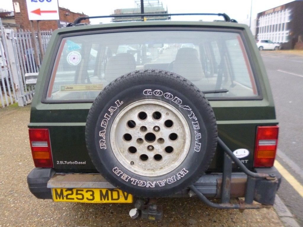 1995 (M reg) Jeep Cherokee 2.5 TD Sport 4x4 For Sale (picture 4 of 6)