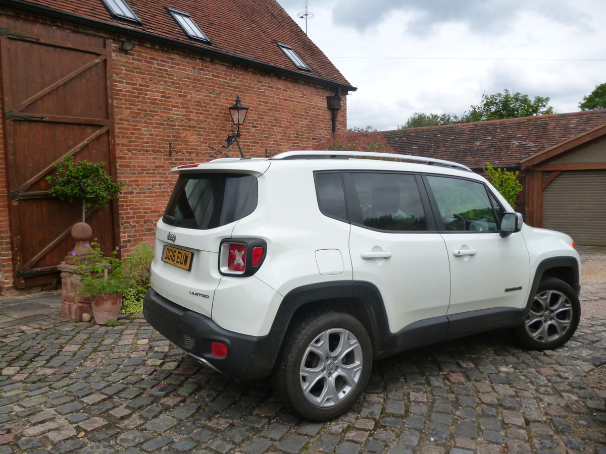 2016 Jeep Renegade Auto Navigation 4 WD Diesel For Sale (picture 2 of 6)