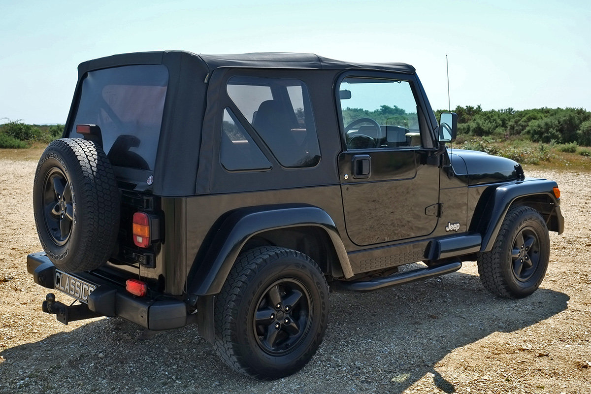 1997 Jeep Wrangler Sahara 4.0 Manual Classic 4x4 For Sale (picture 4 of 6)