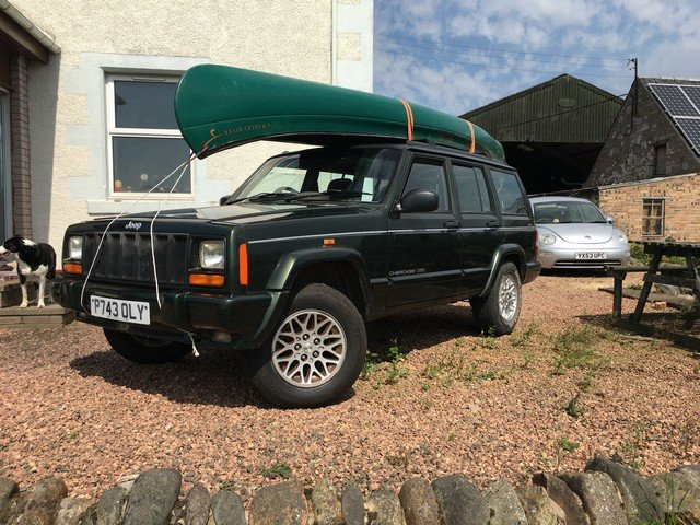 1997 Jeep Cherokee Limited 4.0 c/w Canoe at Morris Leslie Auction SOLD by Auction (picture 2 of 4)