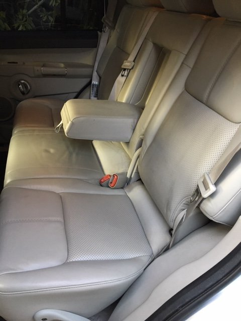 2007 JEEP COMMANDER V8 HEMI. 7 -SEATER. REDUCED PRICE For Sale (picture 6 of 6)