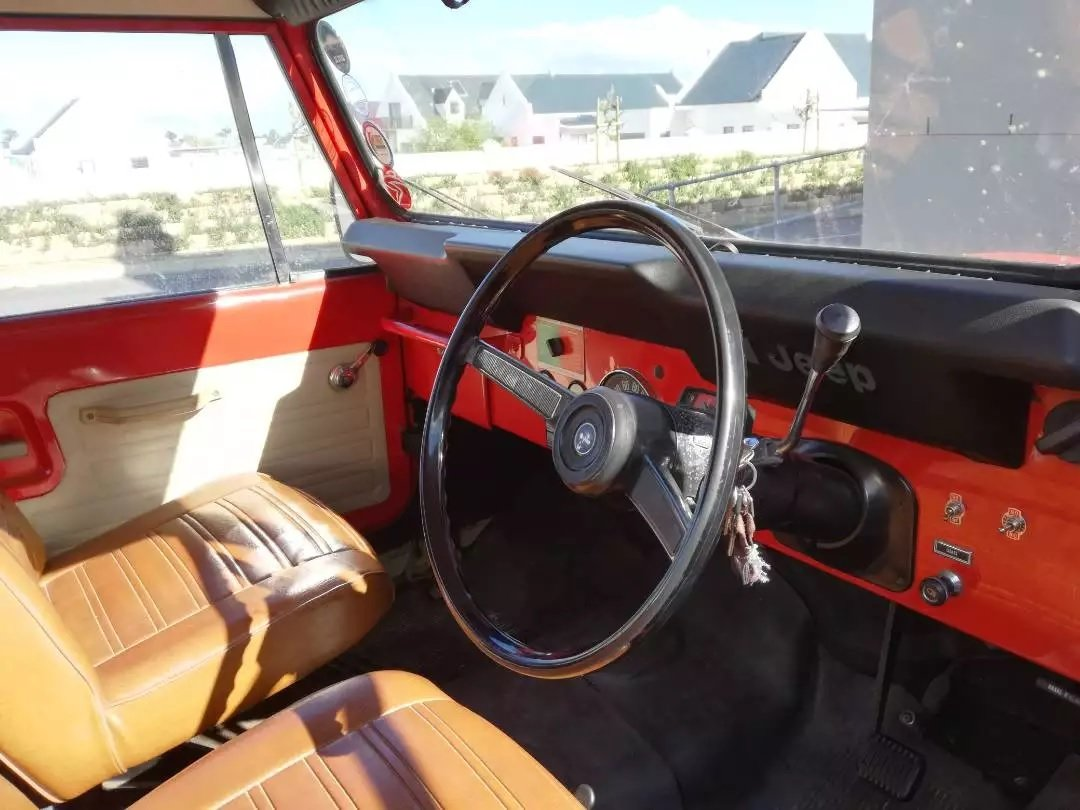 1977 Jeep CJ7 258 c.i. (4.2 L) Auto with AWD RHD For Sale (picture 3 of 6)