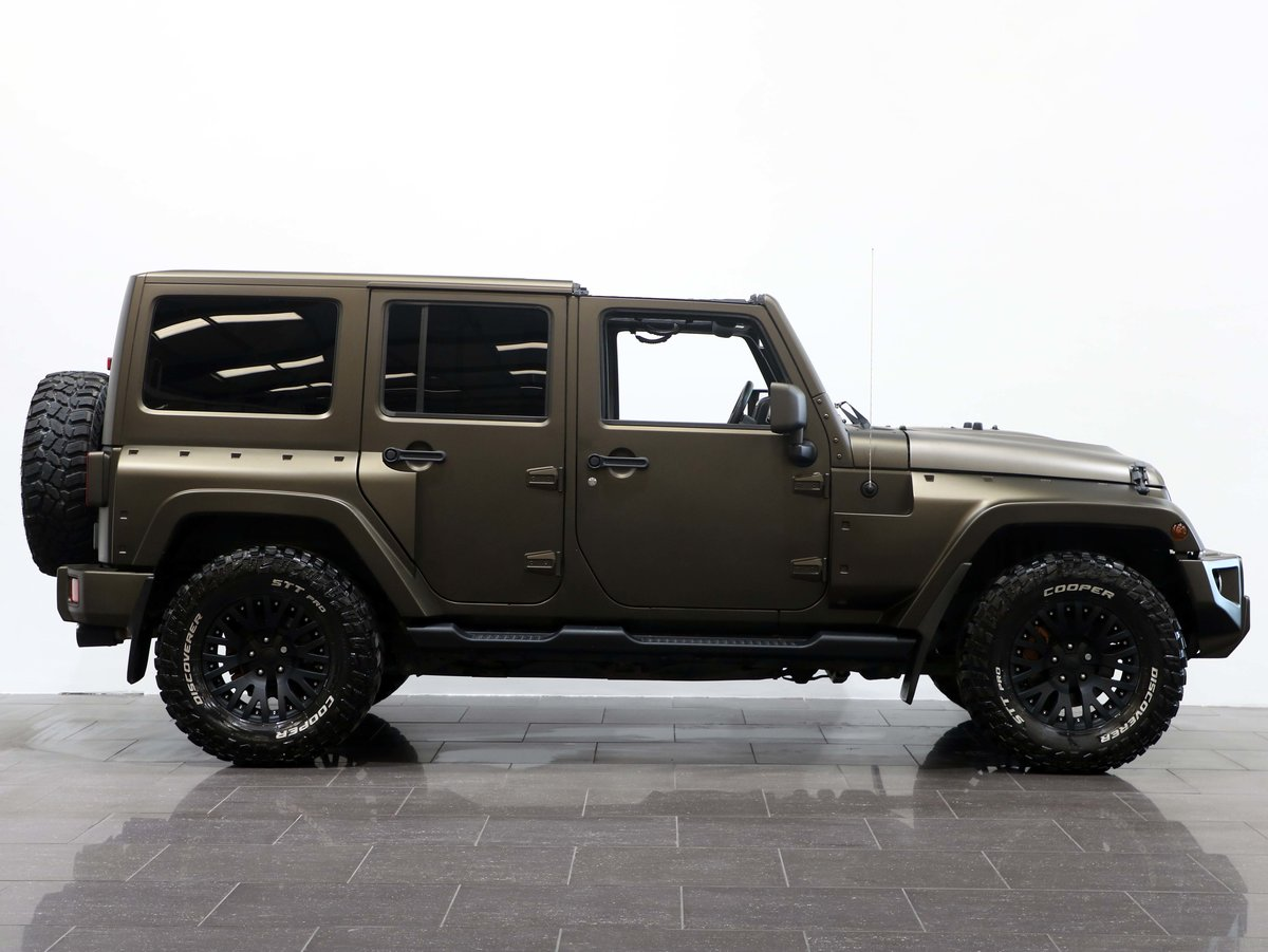 2017 17 17 JEEP WRANGLER OVERLAND BLACK HAWK EDITION AUTO For Sale (picture 2 of 6)