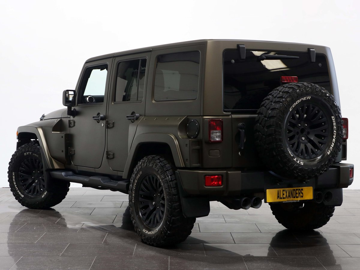 2017 17 17 JEEP WRANGLER OVERLAND BLACK HAWK EDITION AUTO For Sale (picture 3 of 6)