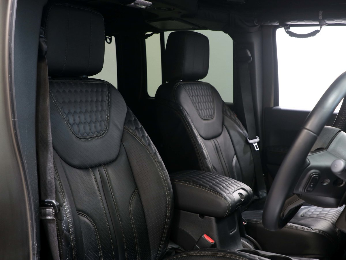 2017 17 17 JEEP WRANGLER OVERLAND BLACK HAWK EDITION AUTO For Sale (picture 6 of 6)