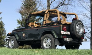 1996 Exceptionnel, Jeep Wrangler YJ Sahara, 4L HO, état collectio For Sale