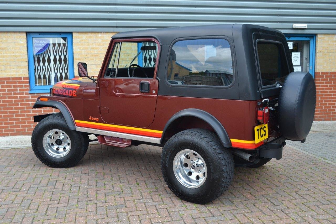 1985 Jeep Renegade CJ-7 5.8i V8 4-Speed Manual Convertible For Sale (picture 2 of 6)