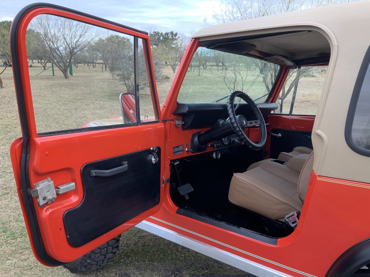 1979 Jeep CJ Levi Golden Eagle Edition 4WD 6Cyl Automatic SOLD (picture 4 of 6)