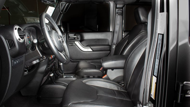 2016 Jeep  Wrangler Unlimited RUBICON SUV 4WD 4x4 $43.9k For Sale (picture 4 of 6)