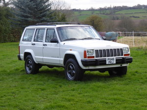 Jeep Cherokee XJ 4.0 Manual 4WD Rare Low Mileage LHD