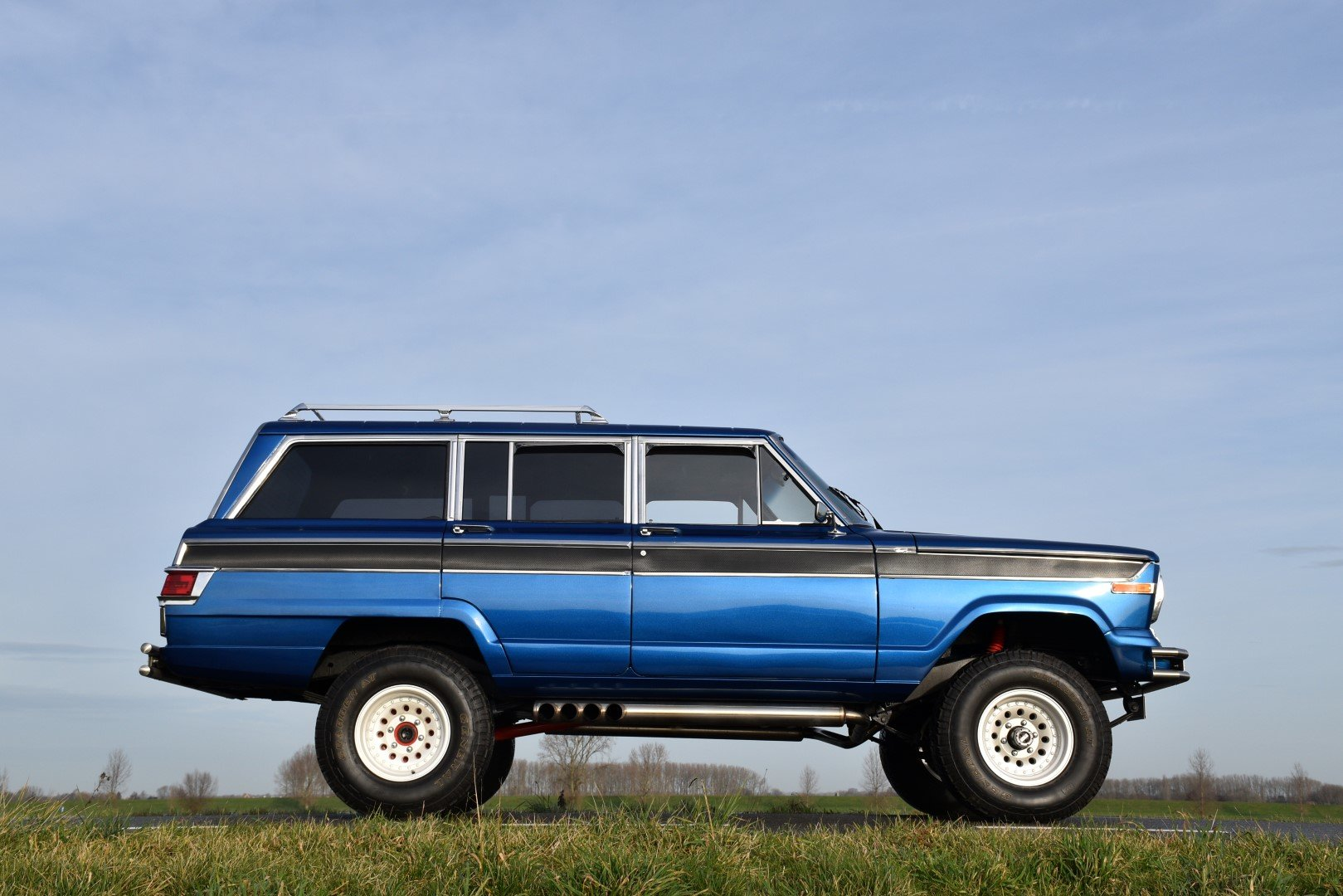 1976 Jeep Wagoneer 5.6 liter V8 For Sale (picture 3 of 6)