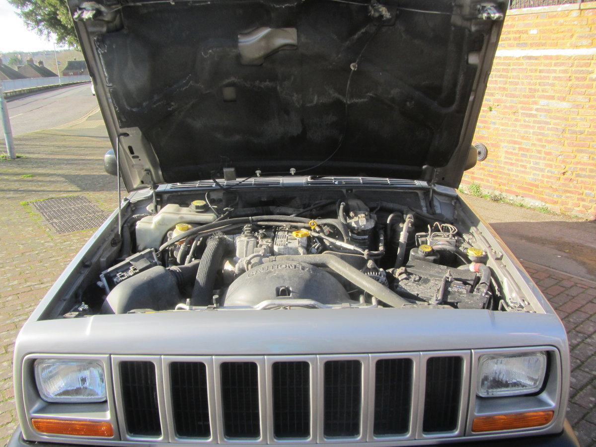 Jeep Cherokee 60th anniversary XJ 2001 Diesel  SOLD (picture 6 of 6)