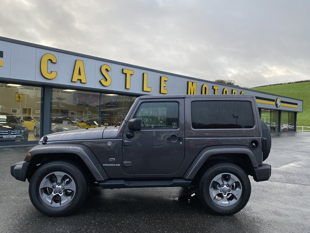 2018 JEEP WRANGLER 2.8 CRD OVERLAND Auto Convertible For Sale (picture 2 of 6)