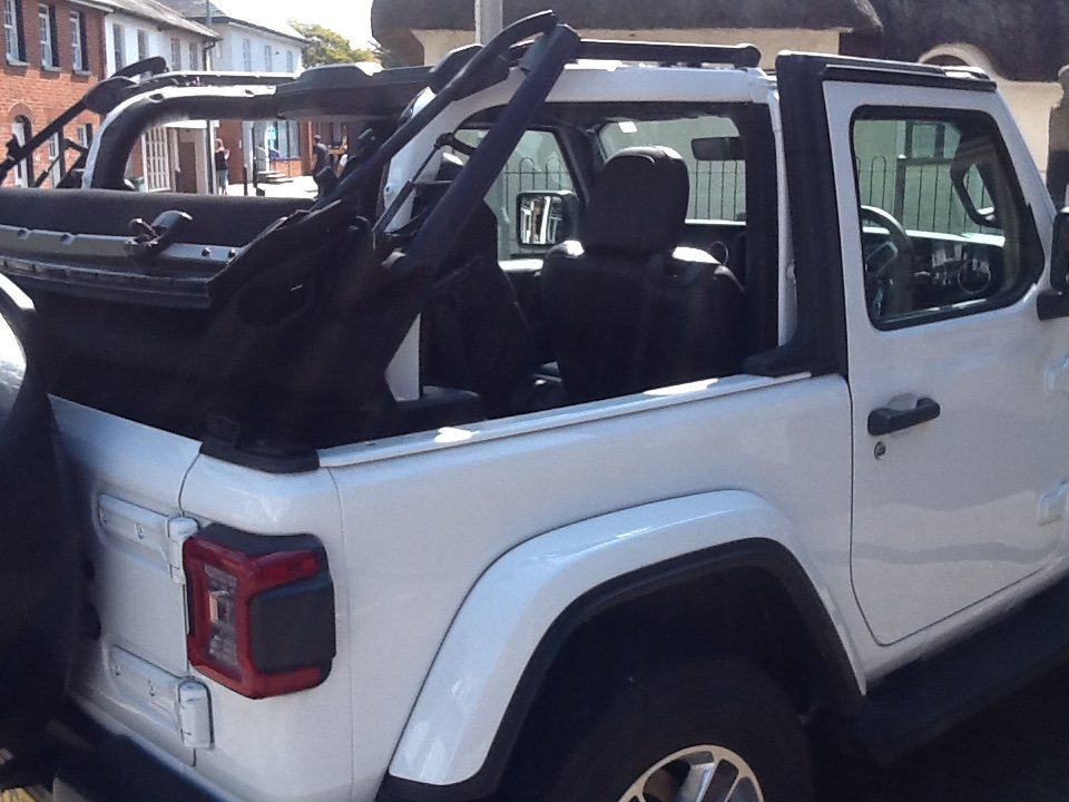 2019 Jeep Wrangler Sahara 2.0 Soft top 4 yr Warranty For Sale (picture 2 of 6)