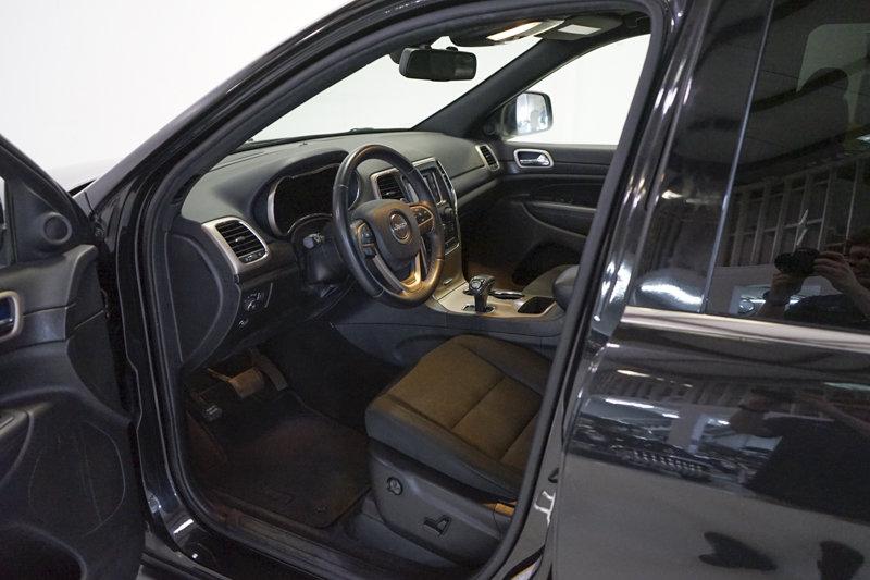 2015 Jeep Grand Cherokee Laredo 4x4 For Sale (picture 3 of 6)