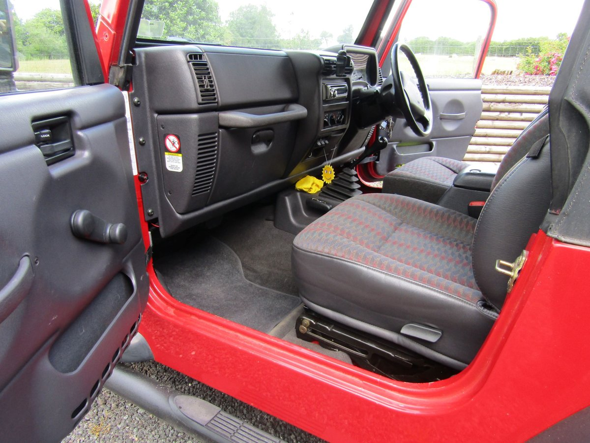 2000 Chrysler Jeep Wrangler Sport (2.5 TJ) Red. 4 x 4  SOLD (picture 4 of 6)