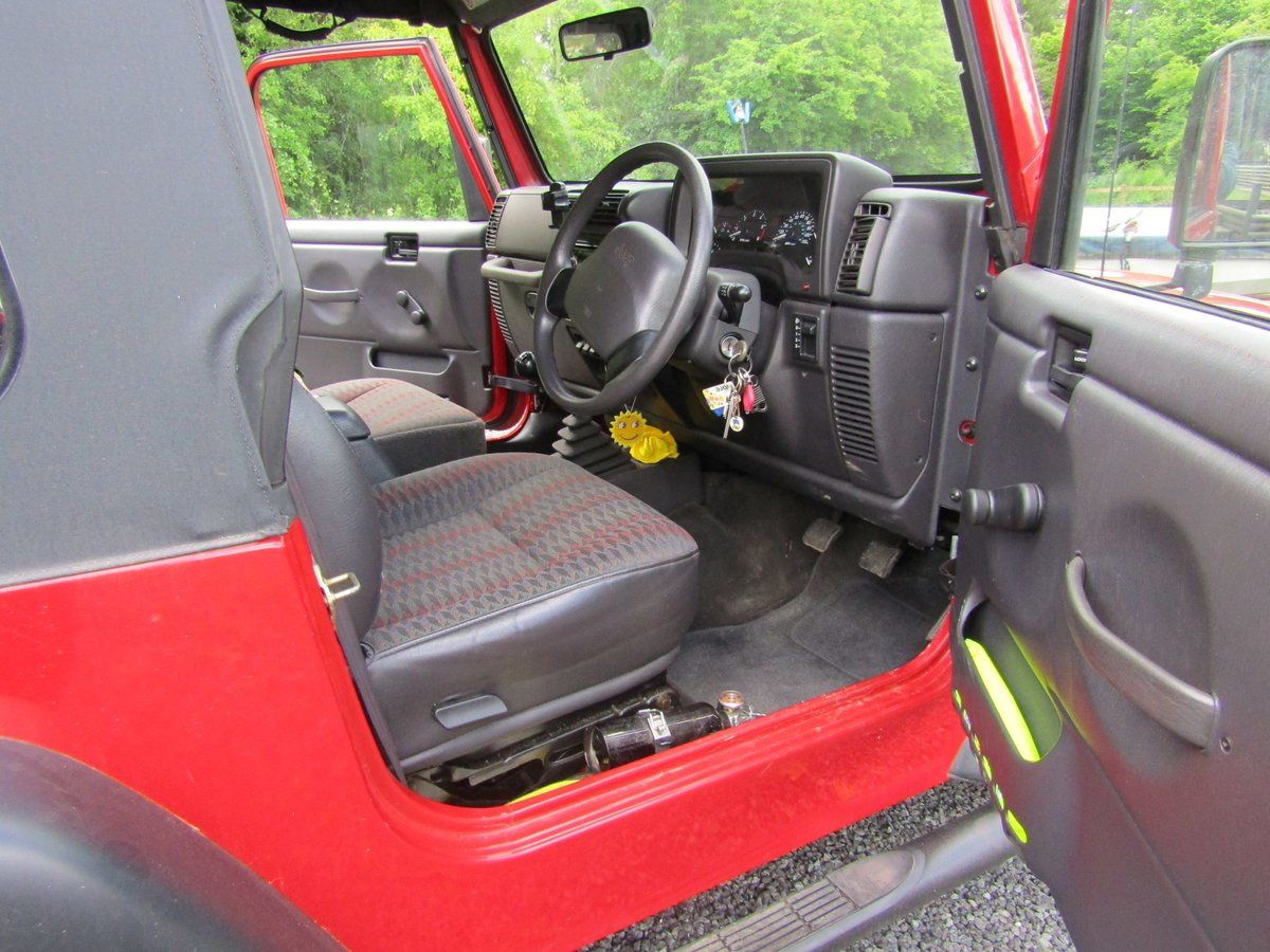 2000 Chrysler Jeep Wrangler Sport (2.5 TJ) Red. 4 x 4  SOLD (picture 5 of 6)