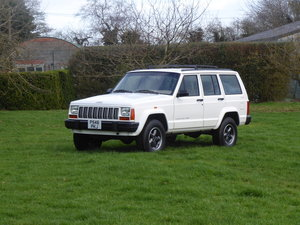 Jeep Cherokee XJ 4.0 Manual  Rare 5 Speed Manual LHD