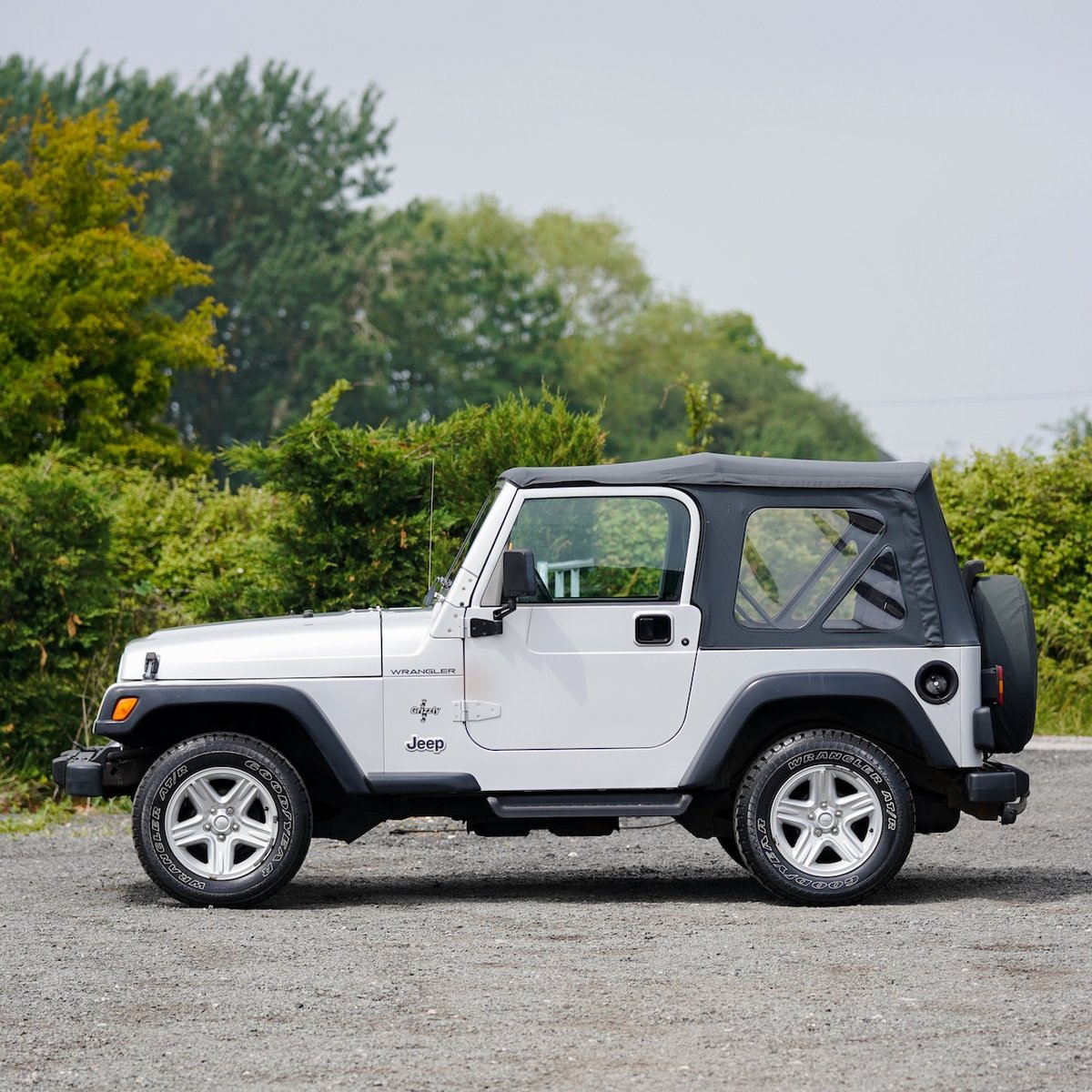 2002 Jeep Wrangler 4.0 Grizzly 57,000 Miles from New For Sale (picture 2 of 6)