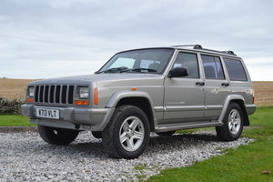 *REMAINS AVAILABLE* 2000 Jeep Cherokee 4.0 Classic