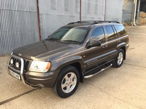 Picture of very clean 2000 Jeep Grand Cherokee Ltd SOLD