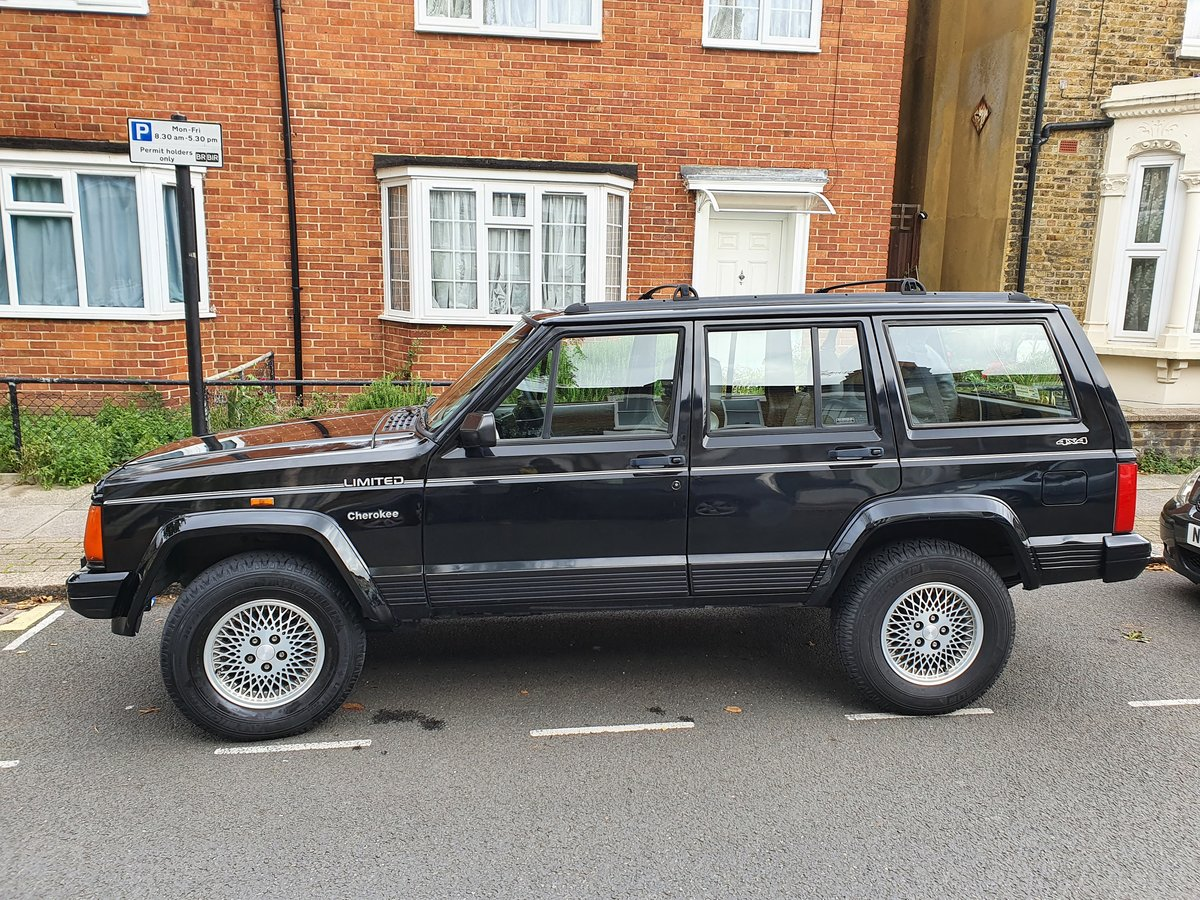 1996 Rare Black Jeep Cherokee XJ Low Mileage For Sale (picture 2 of 6)