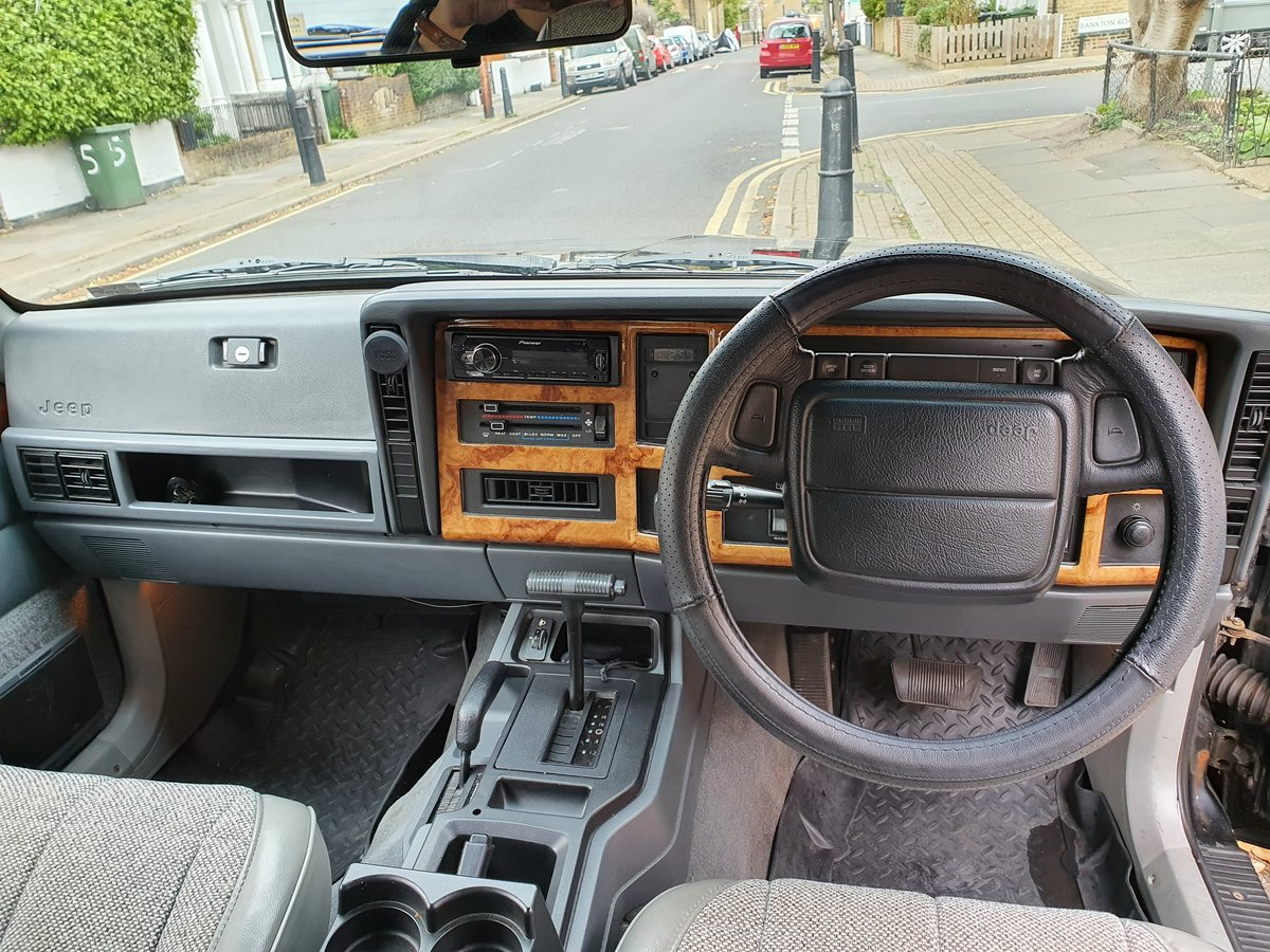 1996 Rare Black Jeep Cherokee XJ Low Mileage For Sale (picture 3 of 6)
