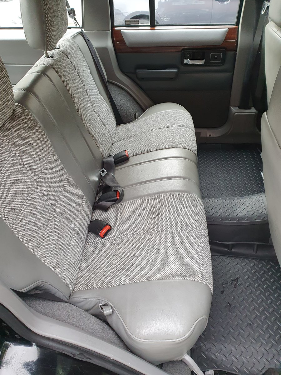 1996 Rare Black Jeep Cherokee XJ Low Mileage For Sale (picture 5 of 6)