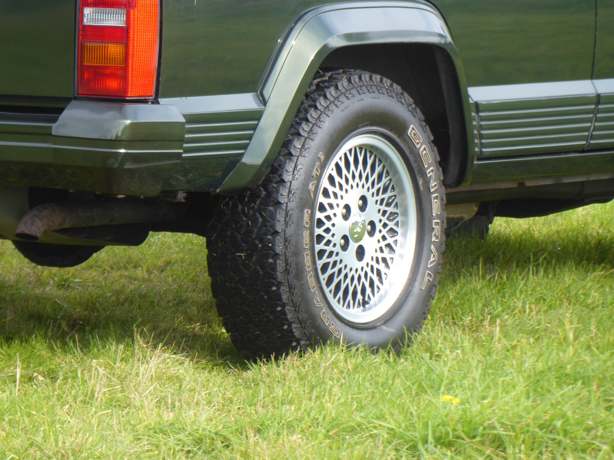 1996 Jeep Cherokee XJ 4.0 Limited 64k Superb Example 4WD For Sale (picture 3 of 6)