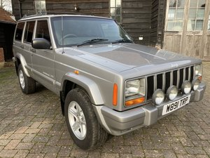 Picture of 2000 STUNNING LOOKING CLASSIC JEEP  FAST RISING CLASSIC