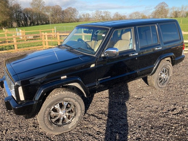 2000 Jeep Cherokee XJ 4.0 Auto , rust free For Sale (picture 3 of 12)