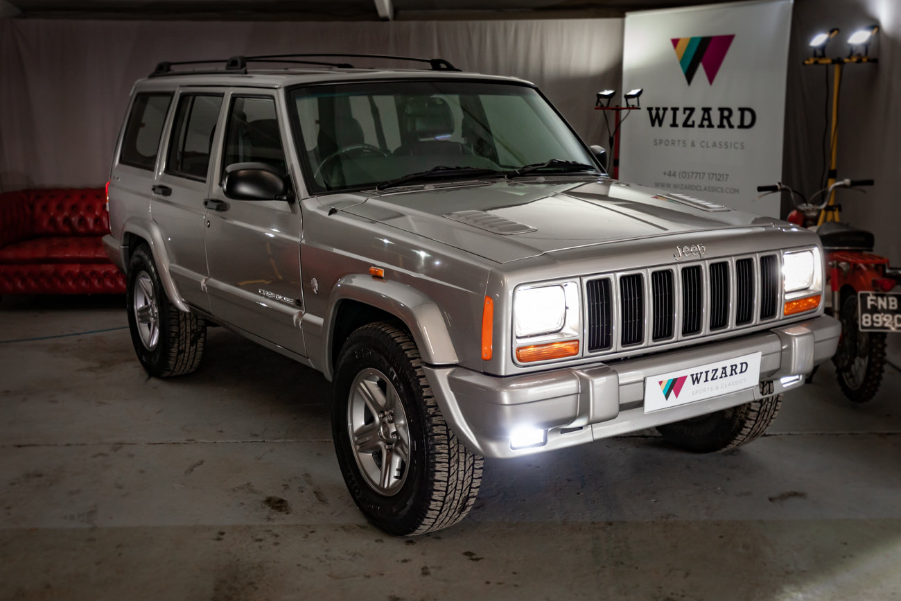 2001 Jeep Cherokee XJ 4.0 ORVIS 17K miles!!! For Sale (picture 1 of 4)