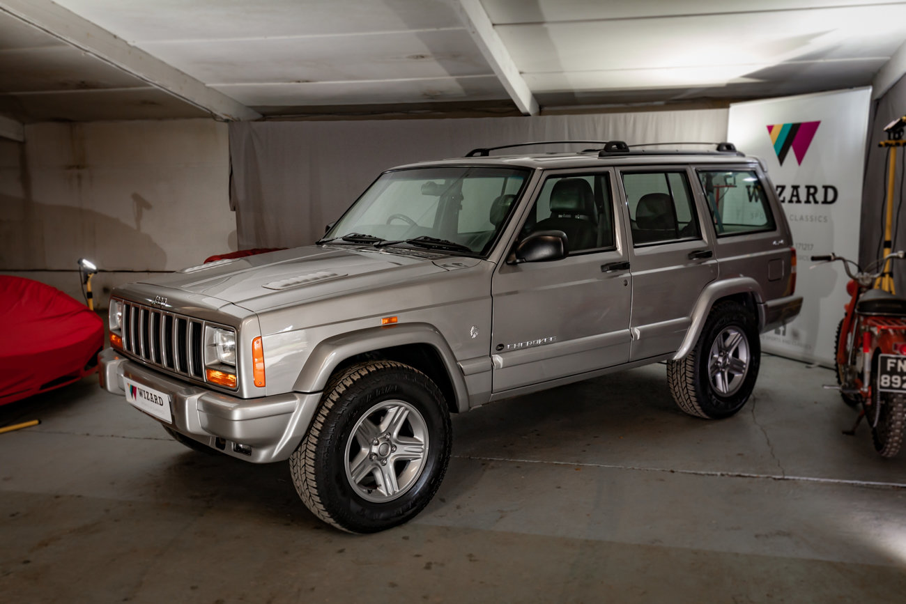 2001 Jeep Cherokee XJ 4.0 ORVIS 17K miles!!! For Sale (picture 3 of 4)