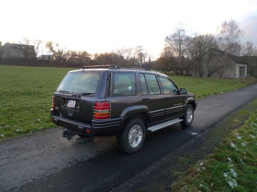 1996 Jeep Grand Cherokee 4.0i Auto Limited RHD orig. 112140 mls For Sale (picture 2 of 6)