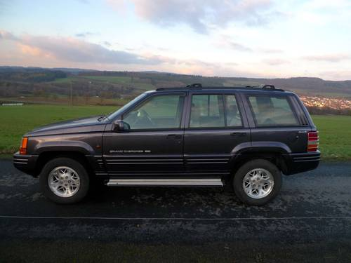 1996 Jeep Grand Cherokee 4.0i Auto Limited RHD orig. 112140 mls For Sale (picture 3 of 6)