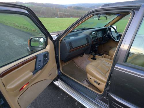 1996 Jeep Grand Cherokee 4.0i Auto Limited RHD orig. 112140 mls For Sale (picture 5 of 6)