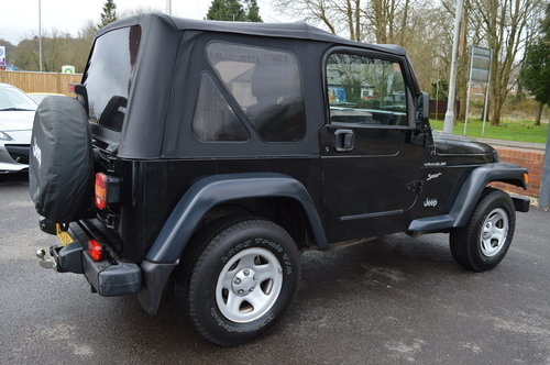 JEEP WRANGLER 2.5 SOFT TOP CONVERTIBLE 4WD + 2002 + LHD SOLD (picture 3 of 3)