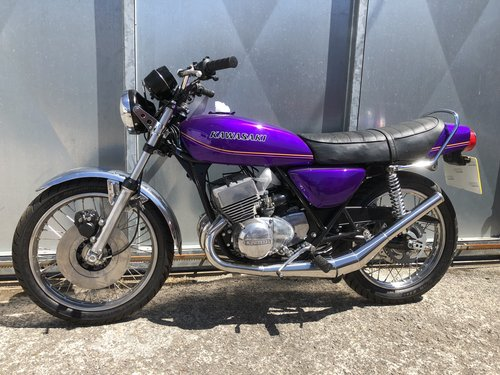 1977 KAWASAKI KH 400 TRIPLE STAGGERING UNFINISHED BIKE WITH V5 For Sale (picture 3 of 5)